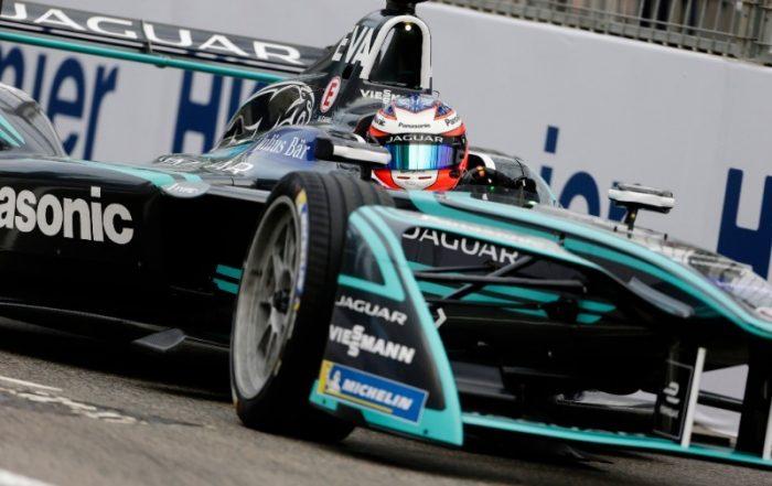 Panasonic Jaguar Racing (1)